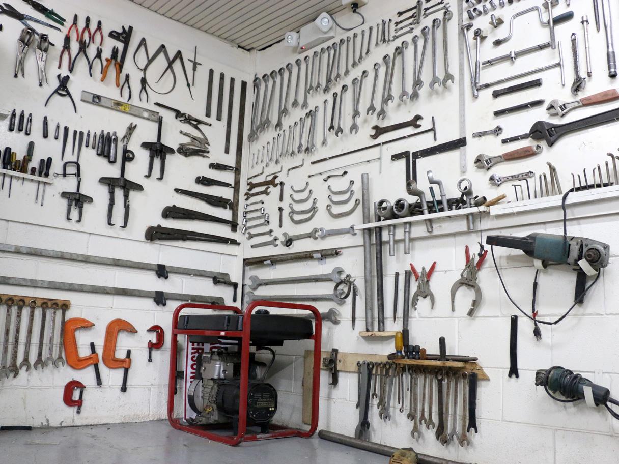 engineering-tool-room